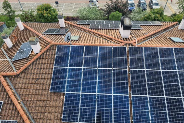 installazione impianto fotovoltaico.jpg