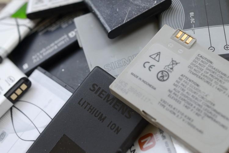stock batterie litio.jpg