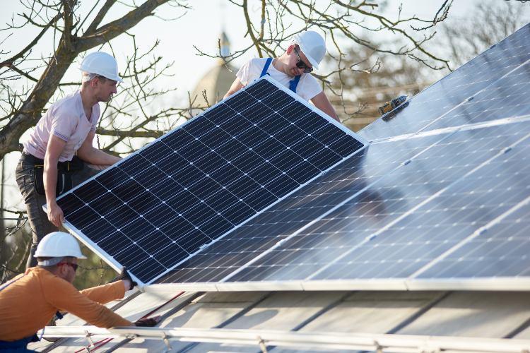 installazione_pannelli_fotovoltaici.jpg