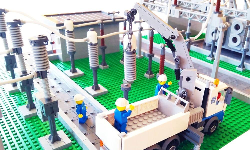 stazione elettrica Lego.jpg